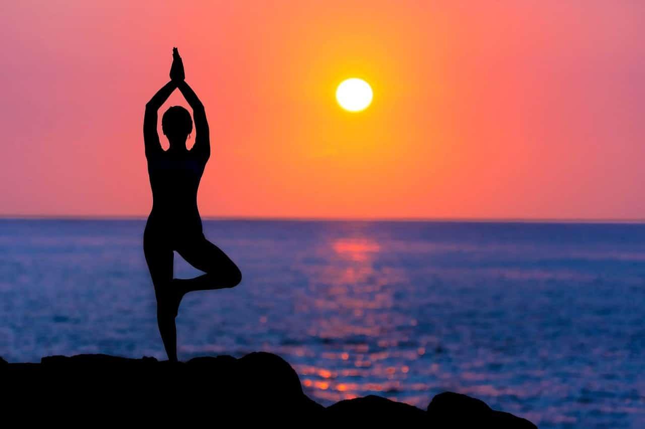 O que é Yoga — Conheça Sua Origem e Benefícios - Inca Aromas